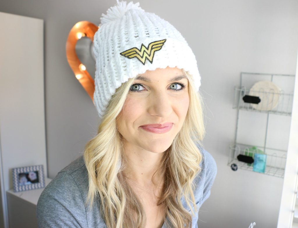 How to loom knit a hat with a hem beginner here are some links to the products that i mentioned in the video and are you by chance going to be at vidcon i will be there giving out 50 goodie bags baditri Gallery
